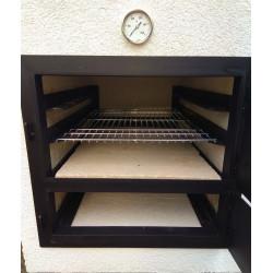 Belső tér. (a grillrács külön rendelhető tartozék).