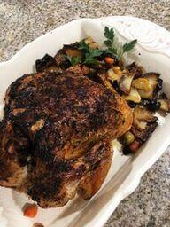Vasárnapi sült csirke zöldséggel körítve